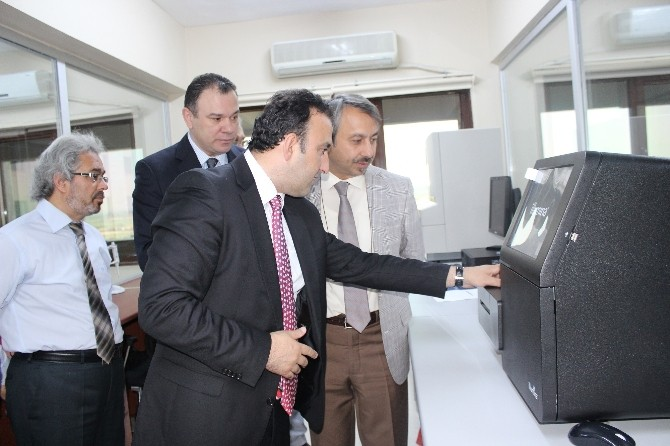 Genetik Hastalıklar Tanı Merkezi Ve Doku Tiplendirme Laboratuarlarının Geliştirilmesi Projesi Tamamlandı