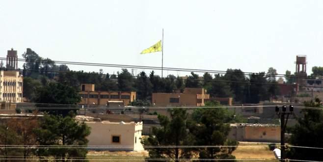 İndirilen IŞİD bayrağı yerine PYD bayrağı asıldı
