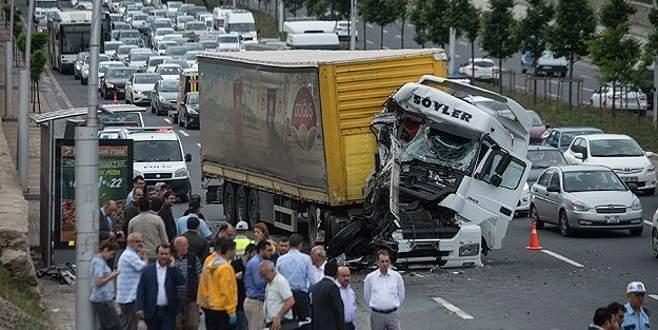 'Başkent'te trafik kazası: 12 yaralı