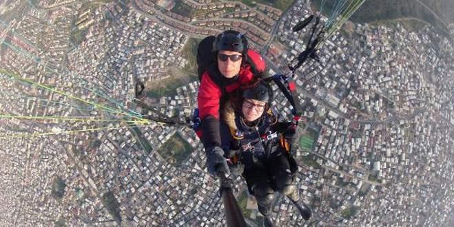Bursa'da yamaç paraşütü 'selfie'si