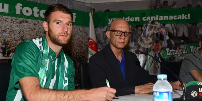 Bursaspor Berisha ile sözleşme imzaladı