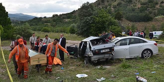 Feci trafik kazası: 3 ölü, 5 yaralı