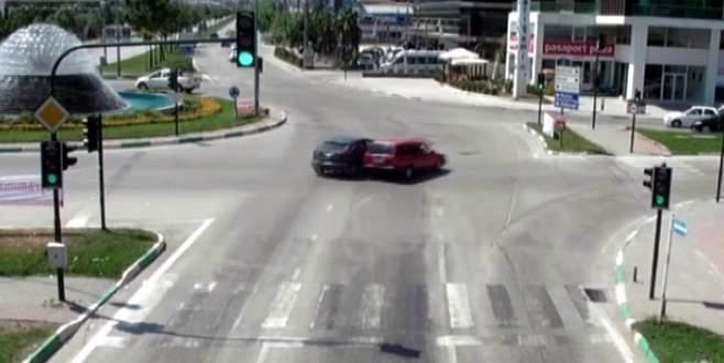 Sürücülerin dikkatsizliği MOBESE kameralarında