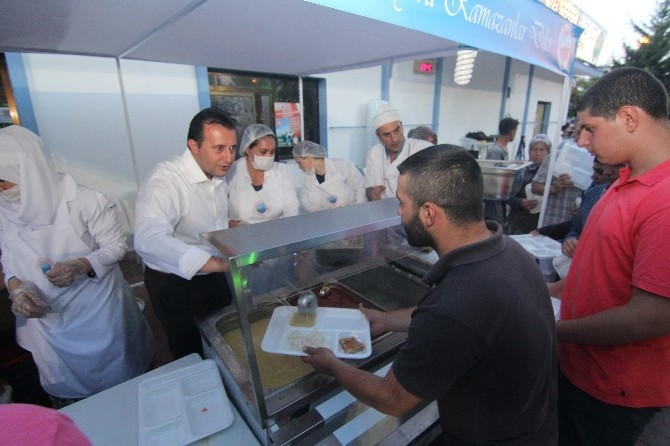 Menderes'te Onlarca Vatandaş İftar Programında Buluştu