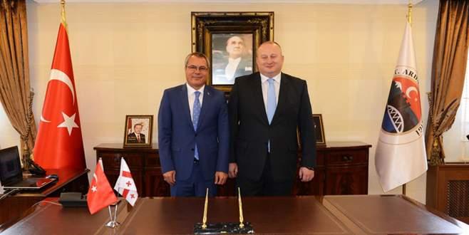 Ardahan'a tarihi ziyaret