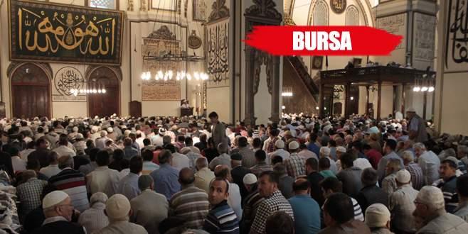 Ramazan ayının ilk cuması Ulucami doldu taştı