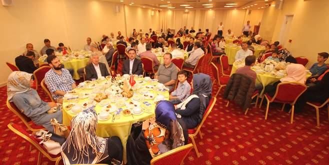 Suriyeli çocuklara iftar