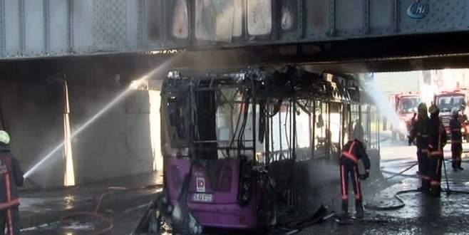 Belediye otobüsü bomba gibi patladı