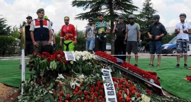 Babalar Günü'nde Süleyman Demirel'e ziyaretçi akını