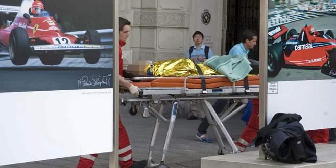 Aracını yayaların üzerine sürdü: 3 ölü