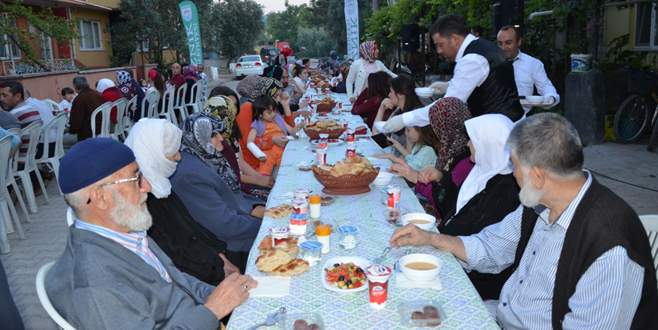 Çini sokakta iftar