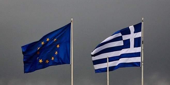 'Yunanistan Avro Bölgesi'nde kalmayı sürdürecek'