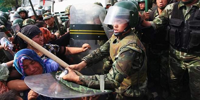 Çin polisi 15 Uygur Türkü'nü öldürdü