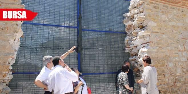 Bakanlık yetkilileri 435 yıllık duvar için Yenişehir'de