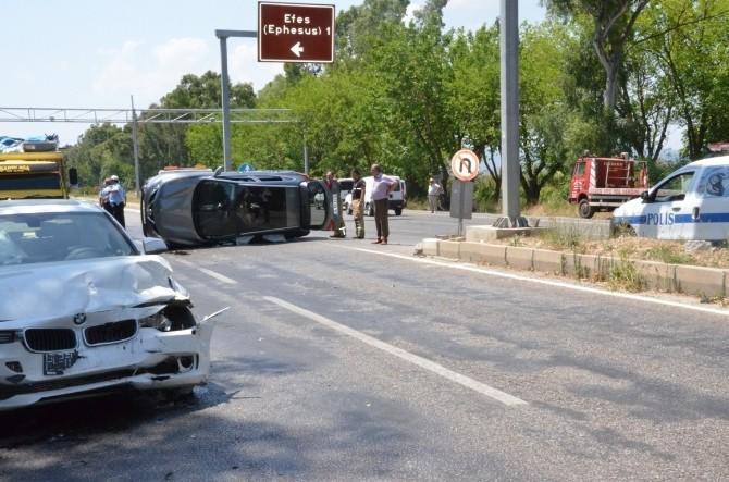 Turistleri taşıyan iki araç çarpıştı: 3 yaralı