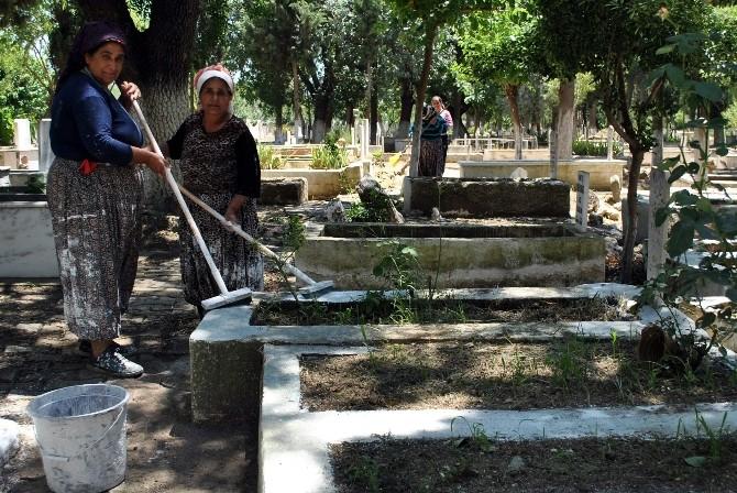 İncirliova'da Mezarlıklar Bayrama Hazırlanıyor