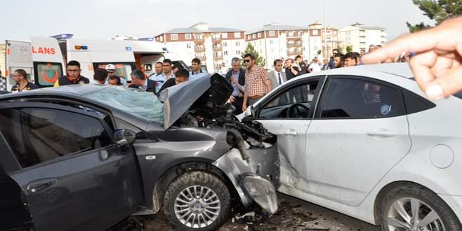 Polis ve ailesi kaza kurbanı