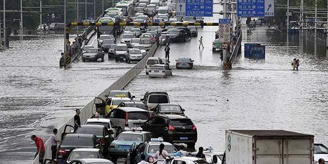 Çin'de sel ve heyelan felaketi! 28 ölü