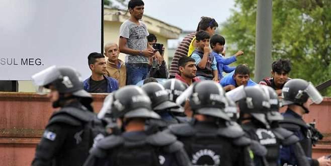 Mülteci kampına polis müdahalesi