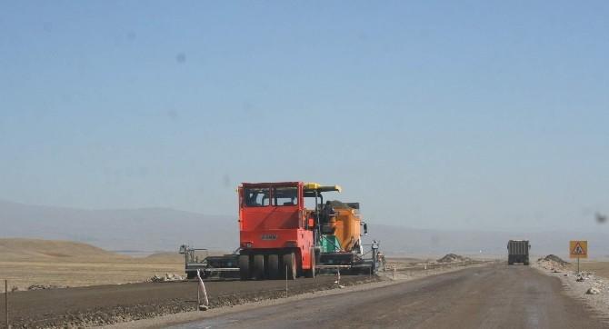 Kars'ta Vatandaşlar Bozulan Yollara Tepkili