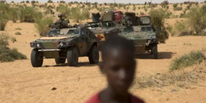 Taciz iddiaları 2 askeri görevinden etti