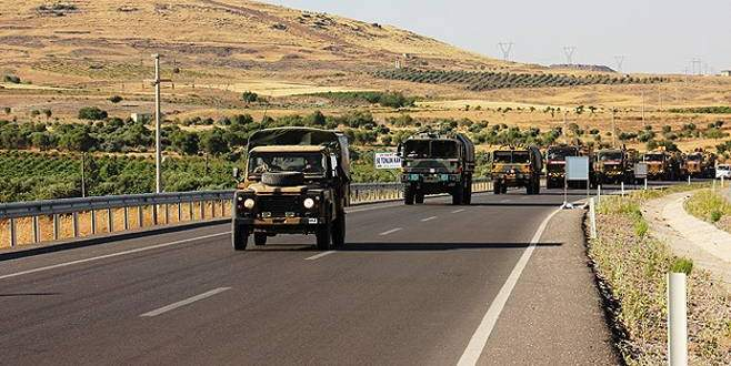 Suriye sınırına gönderilen tank ve zırhlılar Kilis'te