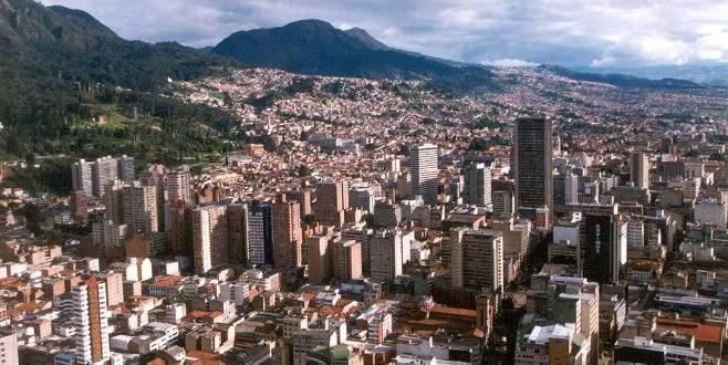 Kolombiya'da art arda iki bombalı saldırı