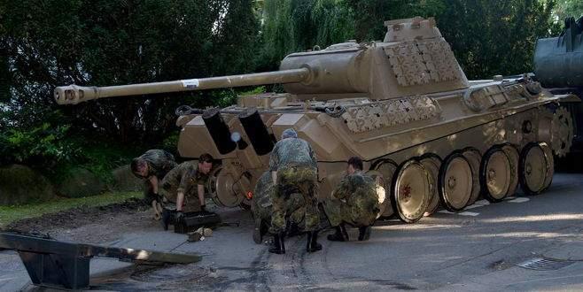 Villanın bodrumundan tank çıktı