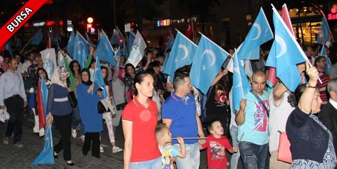 Çin'deki zulme simitli iftar protestosu