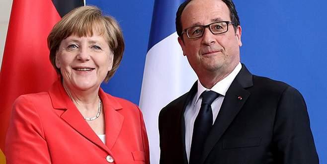 Hollande ile Merkel referandumu değerlendirecek