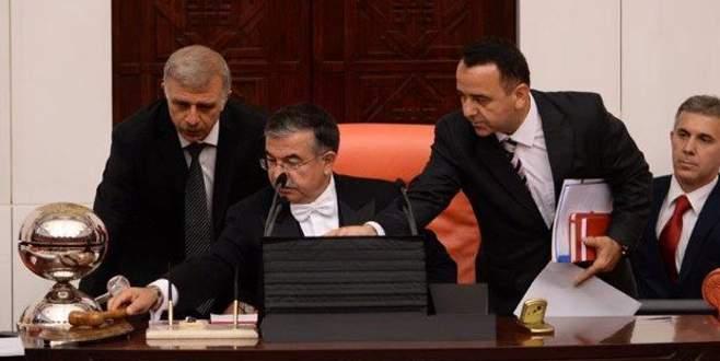 Meclis'te 'aç kapa' gerginliği