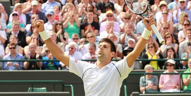 Djokovic turladı