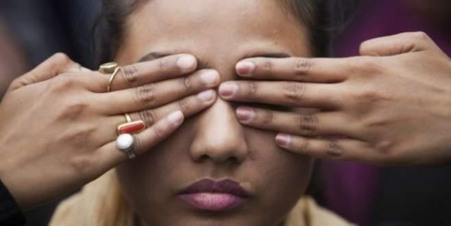13 yaşındaki kızlarını para karşılığı…