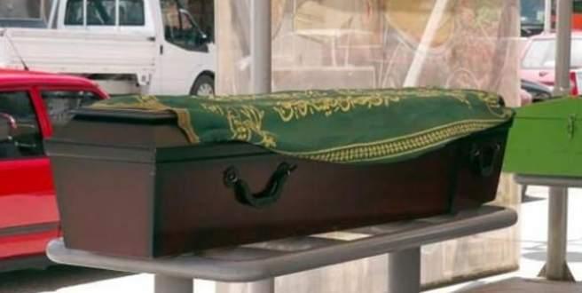 Bu cenaze ortalığı karıştırdı!