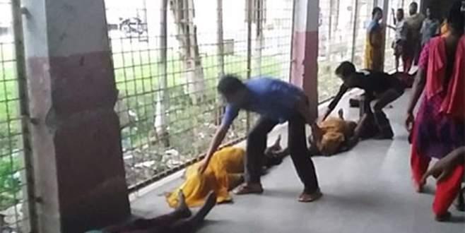 Giysi dağıtımında izdiham: 1'i çocuk 23 kadın öldü