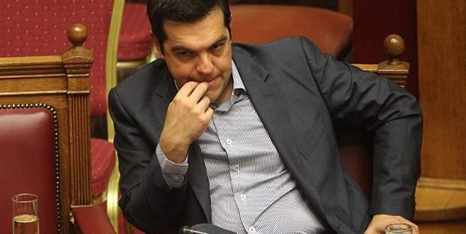 Yunanistan ağır şartları kabul etti
