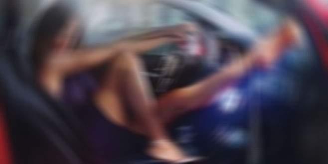 Kadın şoför direksiyon başında bunu yapınca