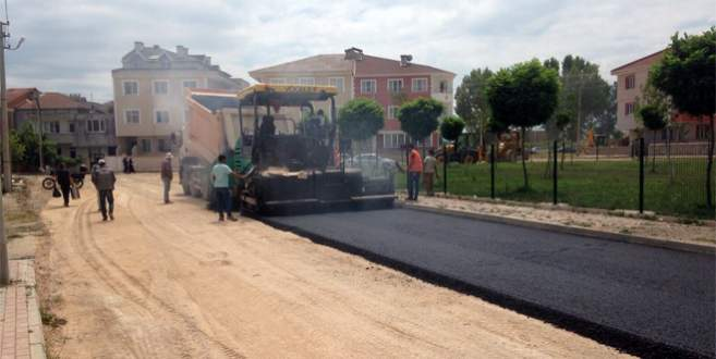 İnegöl'de asfaltlama çalışmaları devam ediyor