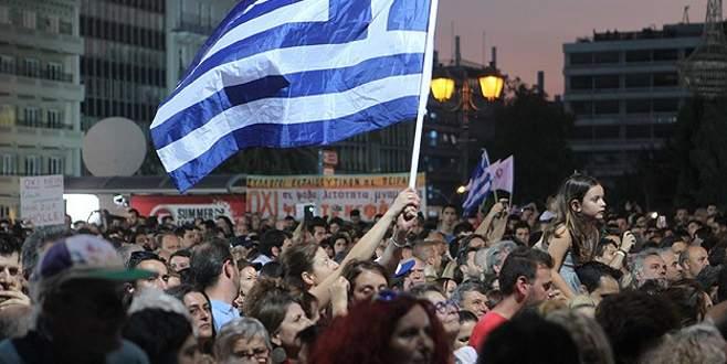 Yunanistan'a 7 milyar avroluk köprü kredi sağlanacak