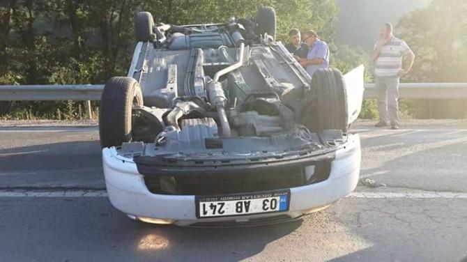 Takla tan Otomobildeki 4 Kişi Yaralandı