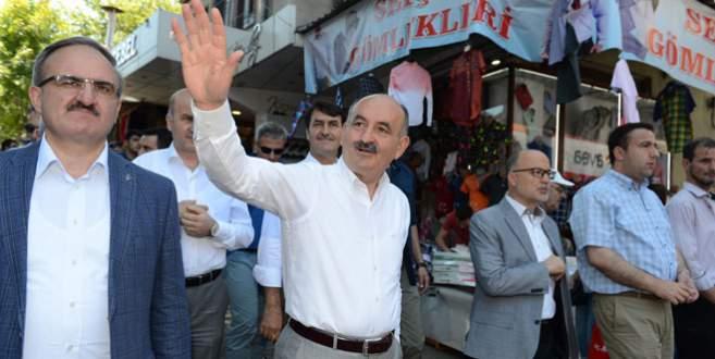 Bakan Müezzinoğlu Bursalılarla bayramlaştı