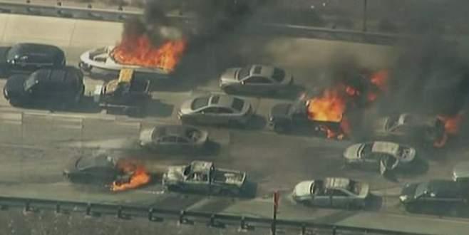 Otoyolda dehşet: 20 araç yandı