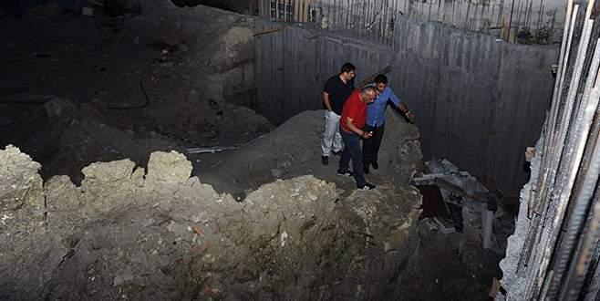 İnşaatta toprak kayması evleri boşalttı