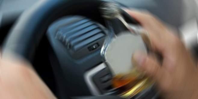 Bursa'da alkollü sürücü önce araca çarptı sonra…