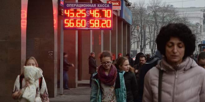 Ruble yeniden düşecek
