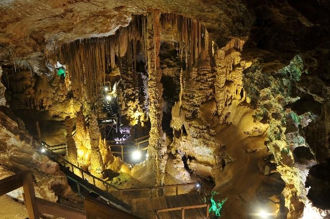 Karaca Mağarası Bayram Tatilinde Ziyaretçi Akınına Uğradı