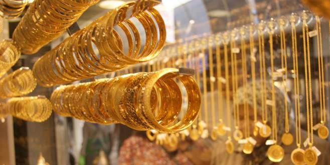 Altın fiyatlarının düşmesi kuyumcuları umutlandırdı