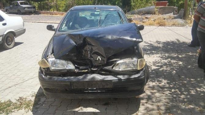 Gerger'de Trafik Kazası