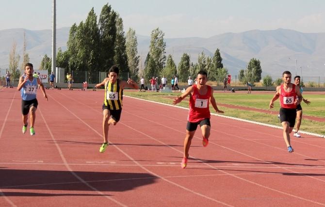 Erzurum 1. Sprint Ve Bayrak Yarışları Rekorlarla Başladı