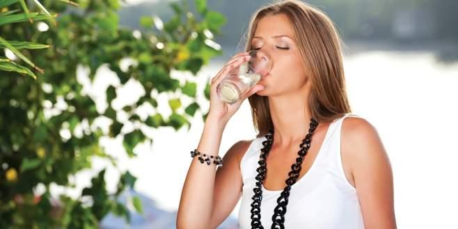 Günde 12 bardak sıvı tüketin